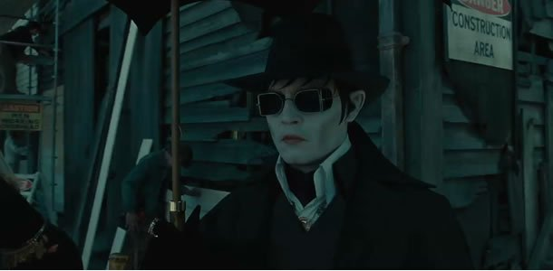 Dark Shadows trailer