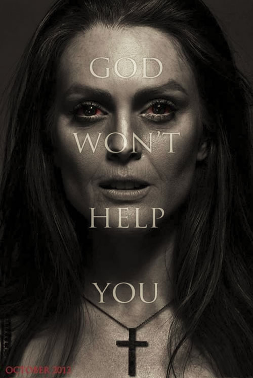 Carrie Poster (Julianne Moore)