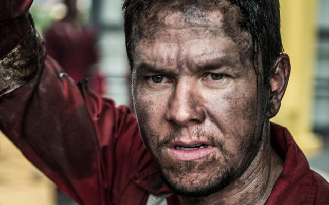 Unlike in The Perfect Storm, Wahlberg finds himself out in the sea in Deepwater Horizon and survives