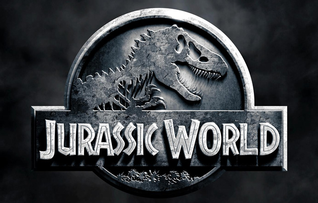 "Universal Pictures and Legendary have released new Jurassic World featurette which looks at the classic ""Jurassic"" crew that returned for the sequel."