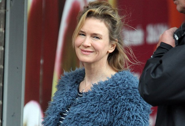 Bridget Jones's Baby Set Photos: Renée Zellweger is Way Preggers.
