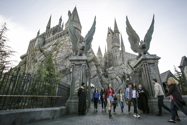 West Coast Wizarding World of Harry Potter Opens with Cast and Musical Celebration