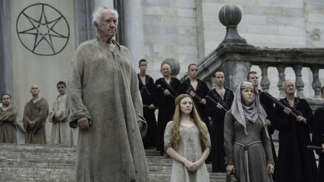 Jaime Faces Off with High Sparrow in Game of Thrones Photos