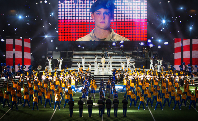 Billy Lynn's Long Halftime Walk Trailer: Ang Lee Adapts the Bestselling Novel