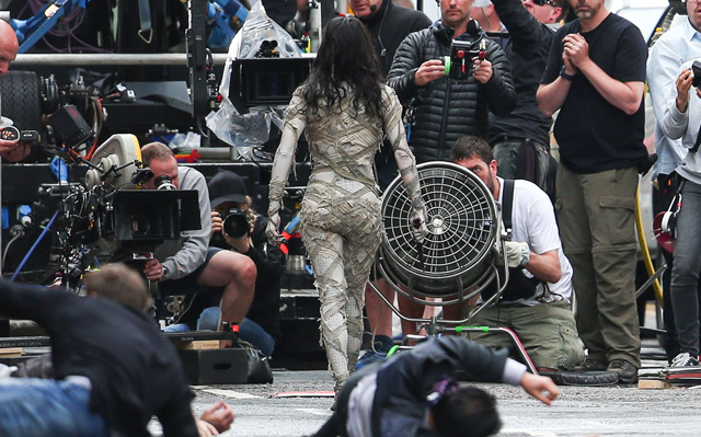 Sofia Boutella's Mummy Photos from the London Set!