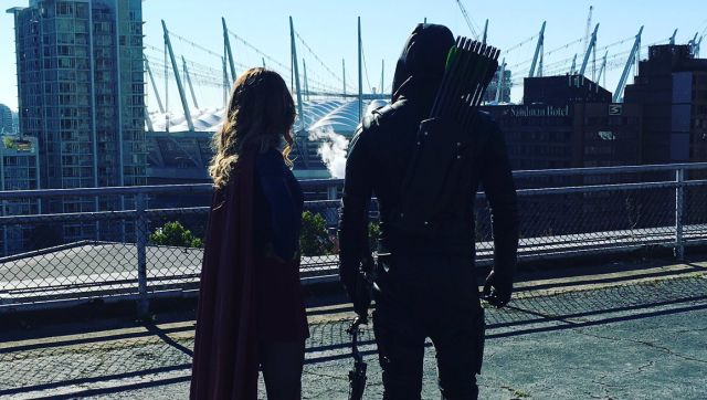 Stephen Amell Reveals Special Guests for Arrow's 100th Episode