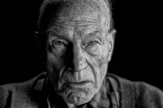 First look at Professor X in Logan