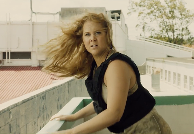 Amy Schumer and Goldie Hawn in the Red Band Snatched trailer