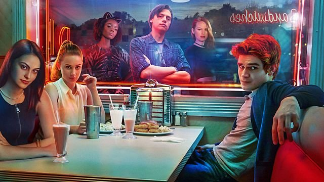 New Riverdale Promo Teases Murder and a Mood for Chaos