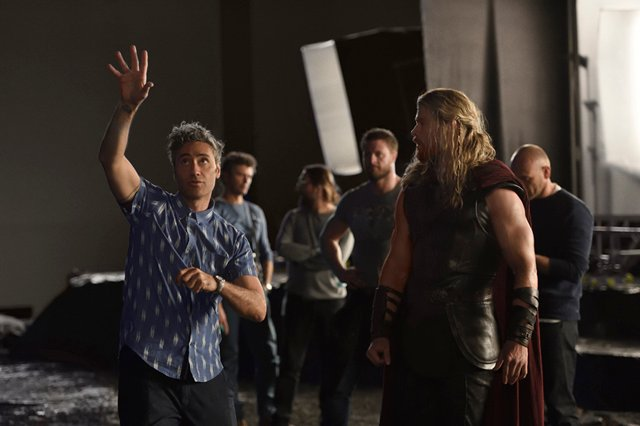 New Thor: Ragnarok Photo & Official Synopsis Revealed by Marvel