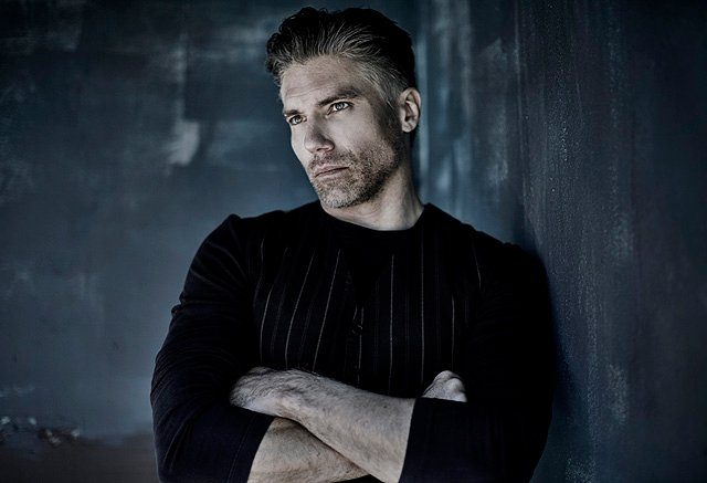 Marvel's Inhumans Series Casts Anson Mount as Black Bolt