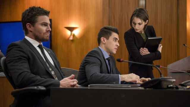 Mayor Oliver Queen Might Get Impeached in Arrow Episode 5.15 Photos