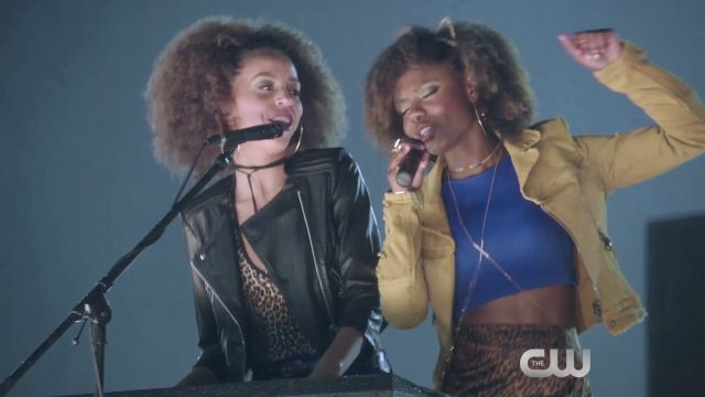 Josie and the Pussycats Perform in Riverdale Episode 2 Clip