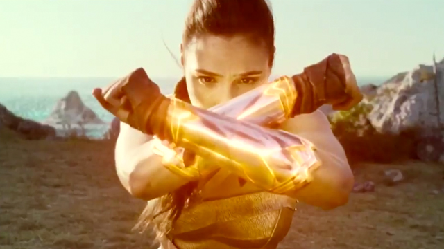 Check out a brief Wonder Woman preview that offers a glimpse at a scene from the upcoming new trailer. Enjoy the Wonder Woman preview!