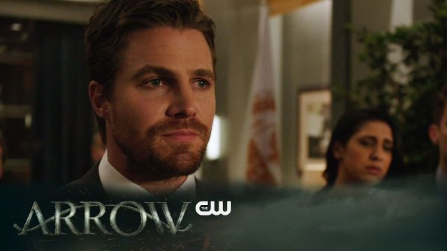 Oliver Queen Calls for his Own Arrest in New Arrow Clip