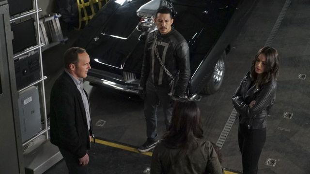 Agents of SHIELD Season 4 Finale Trailer and Photos!
