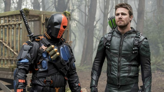 Return to Lian Yu with the Arrow Season 5 Finale Photos