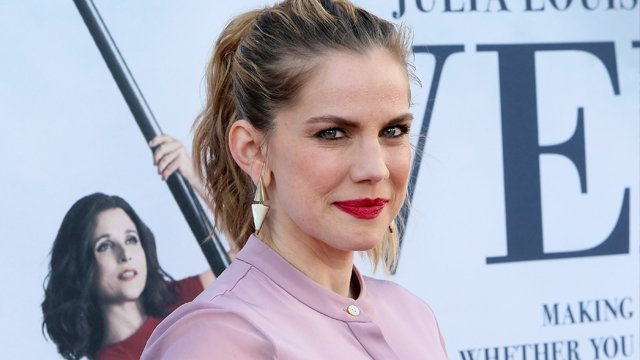 Anna Chlumsky has joined the final season of Halt and Catch fire. Anna Chlumsky is best known for her role on Veep.