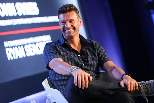 Ryan Seacrest officially returning to host 'American Idol'
