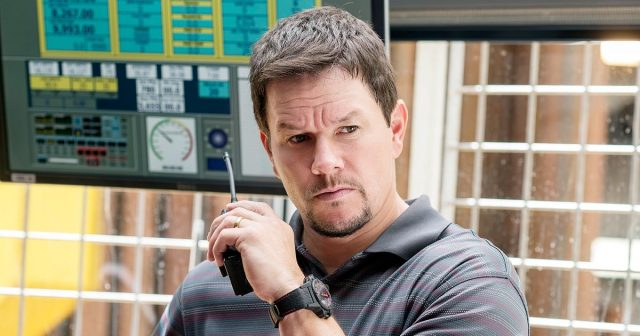 Mark Wahlberg in Talks to Replace Ben Affleck in Triple Frontier Movie