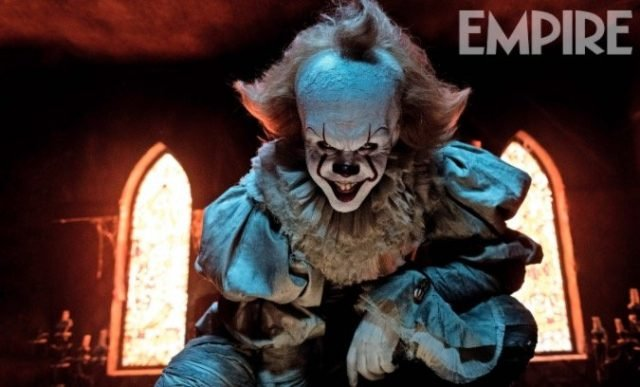 Pennywise the clown is here to scare the pants off you in a new pic from It