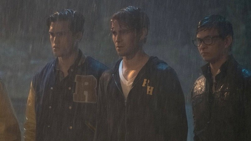 New Riverdale Photos from Two Horror Movie-Inspired Episodes