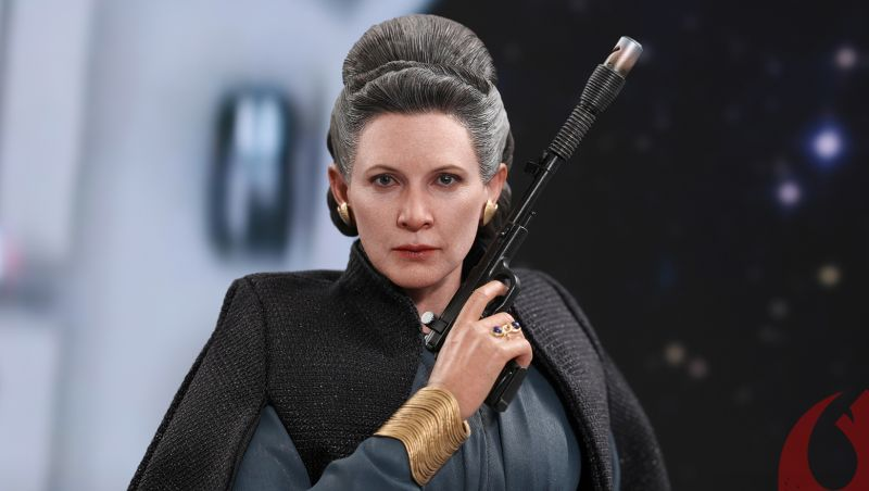 Leia Organa Last Jedi Hot Toy Revealed