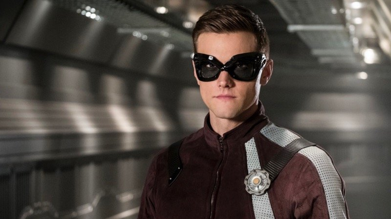 Elongated Man Gets a Proper Costume in New Flash Photos