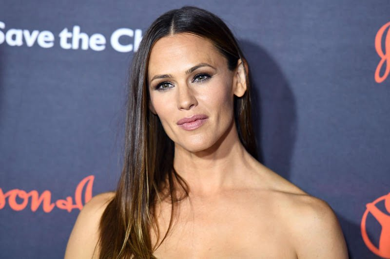 Jennifer Garner Books First Series Regular TV Role Since 'Alias'