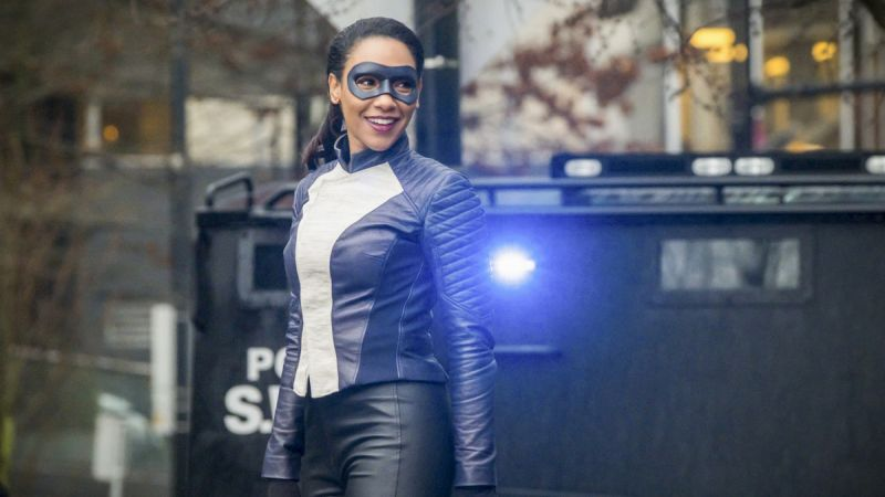 Run, Iris, Run Photos Released: Candice Patton Suits Up on The Flash