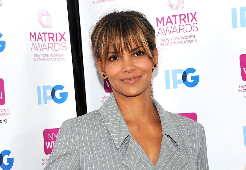 Halle Berry and More Join Keanu Reeves in John Wick 3!