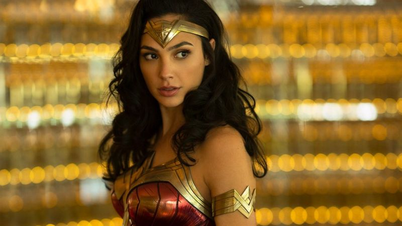 Gal Gadot Visits Children's Hospital in Full Wonder Woman Costume