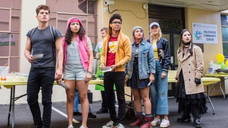 Premiere Dates Set For Marvel's Runaways Season 2 & Light As A Feather