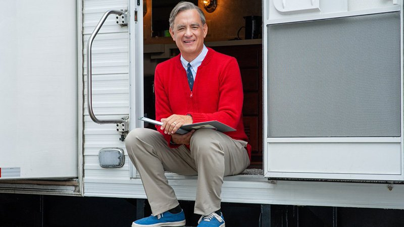 First Look at Tom Hanks as Mr. Rogers in New Film