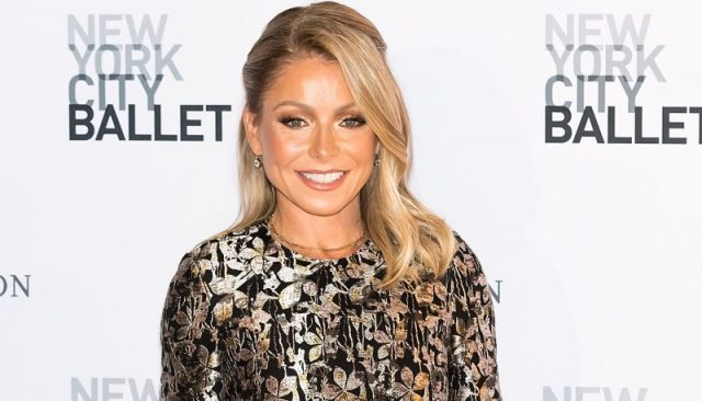 Kelly Ripa to Guest Star on 'Riverdale' with Mark Consuelos!