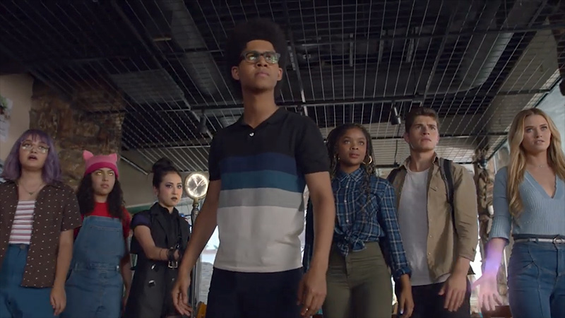 Marvel's Runaways Season 2 Trailer: They Hold the Power Now