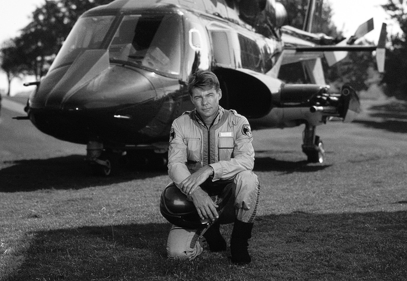 'Airwolf' Star Jan-Michael Vincent Dead at 74