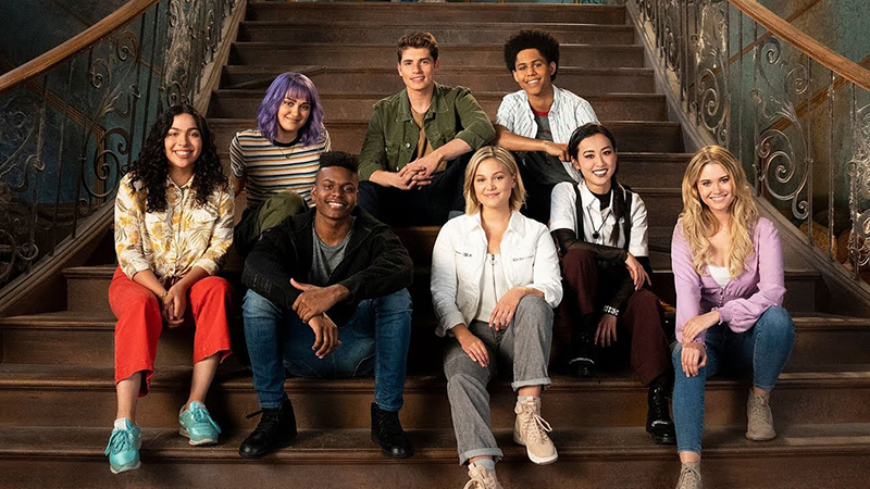 Marvel's RUNAWAYS and CLOAK & DAGGER to Crossover