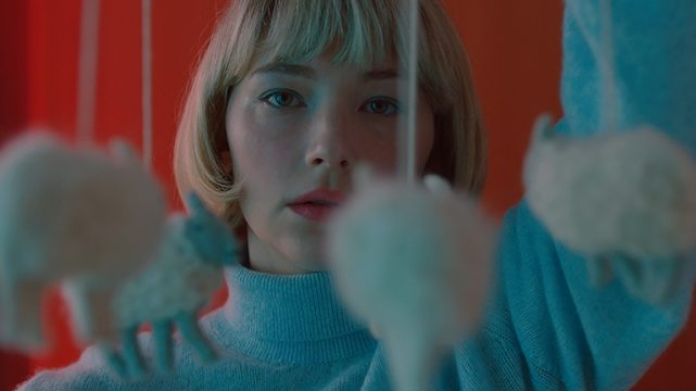 Swallow Trailer: Haley Bennett Stars in New Psychological Thriller Film