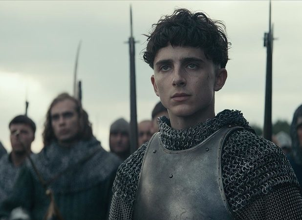 It's Timothée Chalamet vs. Robert Pattinson in The King Final Trailer