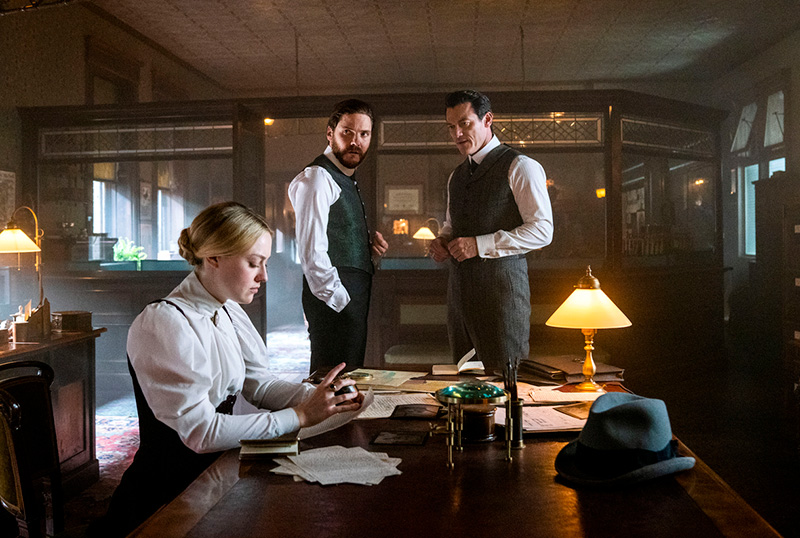 """<h2>Mandatory Streamers: The Hunt for a New Killer Begins in Alienist: Angel of Darkness</h2> Welcome to<a href=""""https://www.mandatory.com/"""" target=""""_blank"""" rel=""""noopener"""">Mandatory</a>Streamers, our column covering the best new<a href=""""https://www.comingsoon.net/tag/mandatory-streamers"""" target=""""_blank"""" rel=""""noopener"""">streaming content</a>coming your way every week! For the week of July 13, Dakota Fanning, Daniel Brühl, and Luke Evans are back to hunt for a new killer in TNT's <strong>The Alienist: Angel of Darkness</strong>. Check out the best shows debuting and returning online this week as well as the latest renewal announcements below, and be sure to visit our mother site<a href=""""https://www.mandatory.com/"""" target=""""_blank"""" rel=""""noopener"""">Mandatory by clicking here</a>! <h2>TNT</h2> <strong>The Alienist: Angel of Darkness, Season Premiere:</strong>In the follow-up season,Sara has opened her own private detective agency and is leading the charge on a brand-new case. She reunites with Dr. Kreizler and John Moore, now a New York Times reporter, to find Ana Linares, the kidnapped infant daughter of the Spanish Consular. Their investigation leads them down a sinister path of murder and deceit, heading towards a dangerous and elusive killer. Season 2 will shine a light on the provocative issues of the era – the corruption of institutions, income inequality, yellow press sensationalism, and the role of women in society – themes that still resonate today. Angel of Darkness will premiere on Sunday, July 19, with episodes subsequently available to stream on <a href=""""https://www.tntdrama.com/angel-of-darkness"""" target=""""_blank"""" rel=""""noopener"""">TNT's site</a>.  <h2>Peacock</h2> <strong><a href=""""https://www.comingsoon.net/tag/brave-new-world"""" target=""""_blank"""" rel=""""noopener"""">Brave New World</a>, Series Premiere:</strong>Based on Aldous Huxley's groundbreaking novel,<strong>Brave New World</strong>imagines a utopian society that has achieved peace and stability through the prohibit"""