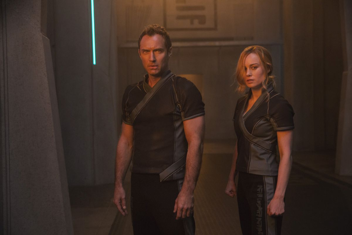 Marvel Studios' CAPTAIN MARVELL to R: Leader of Starforce (Jude Law) and Carol Danvers/Captain Marvel (Brie Larson)Photo: Chuck Zlotnick©Marvel Studios 2019