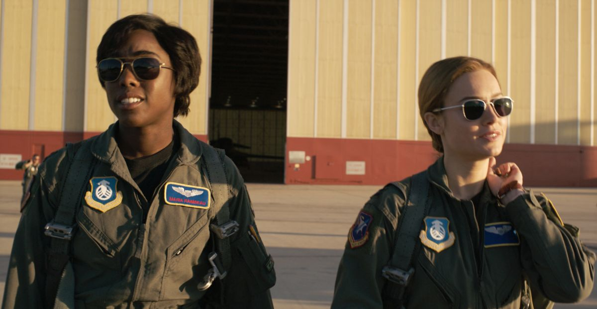 Marvel Studios' CAPTAIN MARVELL to R: Maria Rambeau (Lashana Lynch) and Captain Marvel (Brie Larson) Photo: Film Frame©Marvel Studios 2019