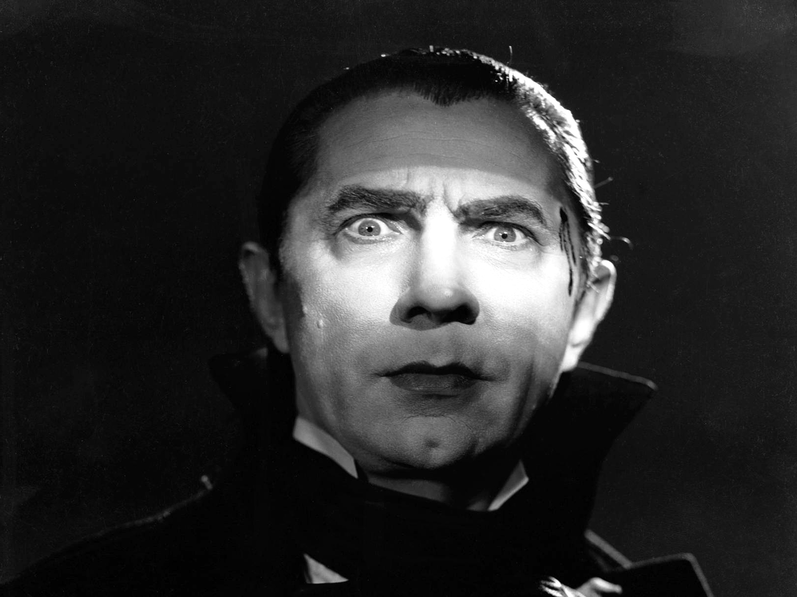 12 Fangtastic Portrayals of Dracula in Film and Television ...