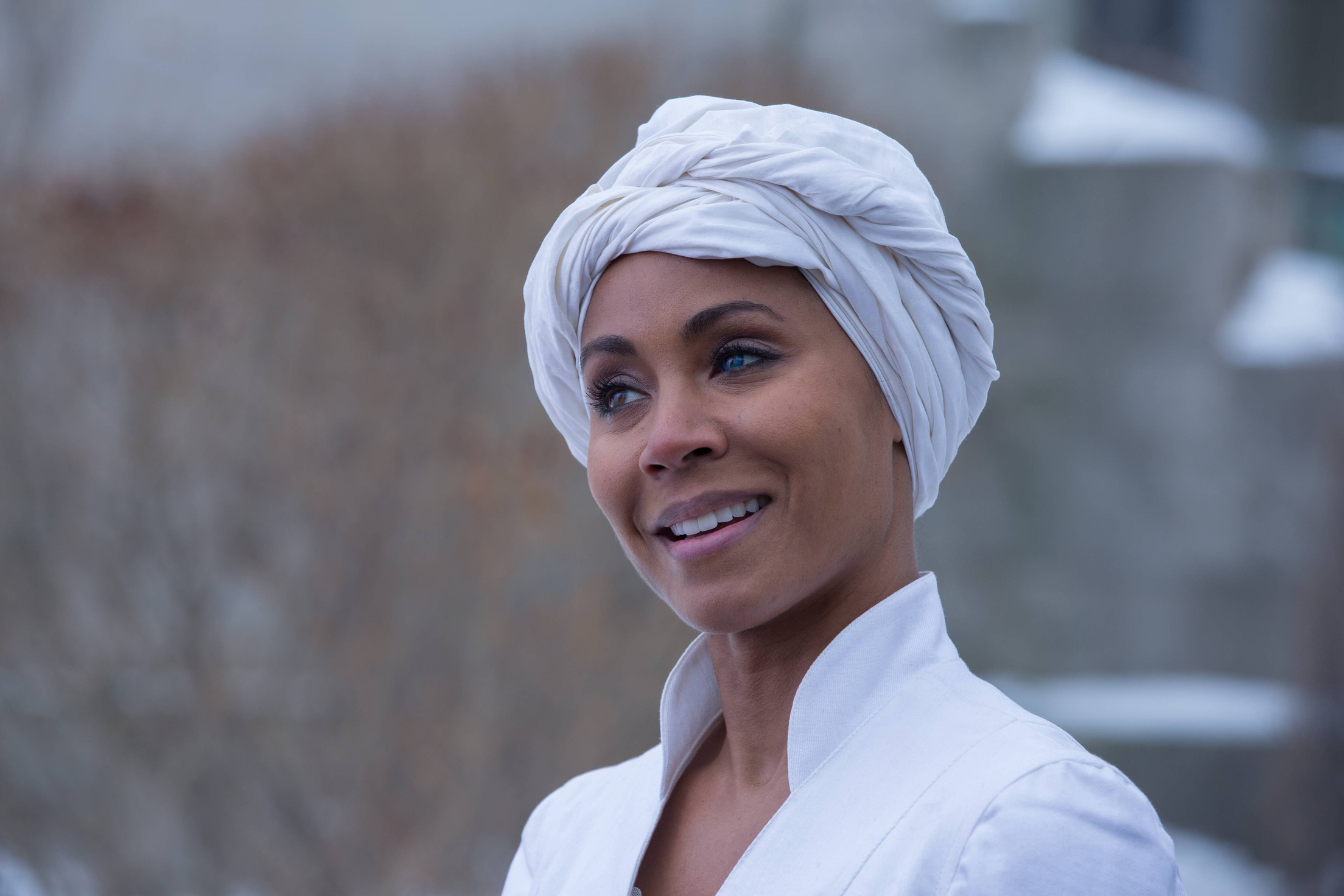 """GOTHAM: Fish Mooney (Jada Pinkett Smith), smiles after escaping the Dollmaker in the """"Beasts of Prey"""" episode of GOTHAM airing Monday, April 13 (8:00-9:00 PM ET/PT) on FOX. ©2015 Fox Broadcasting Co. Cr: Jessica Miglio/FOX"""