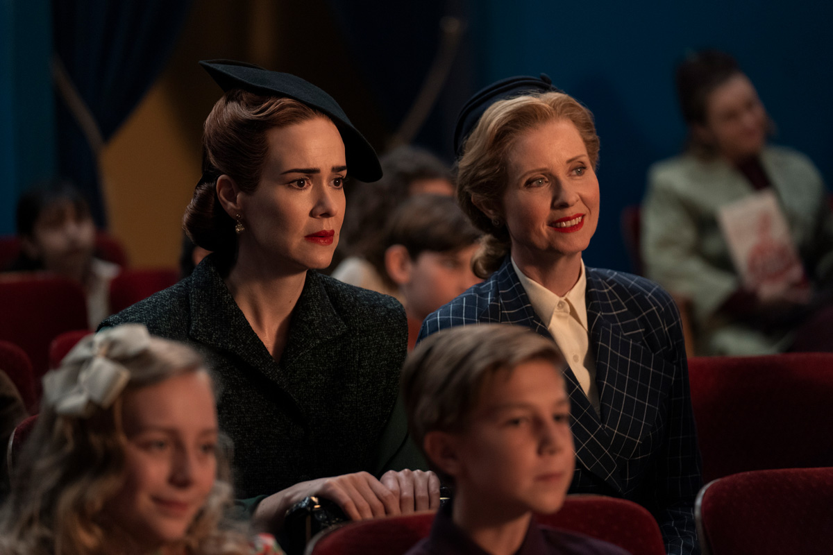 RATCHED (L to R) SARAH PAULSON as MILDRED RATCHED and CYNTHIA NIXON as GWENDOLYN BRIGGS in episode 106 of RATCHED Cr. SAEED ADYANI/NETFLIX © 2020