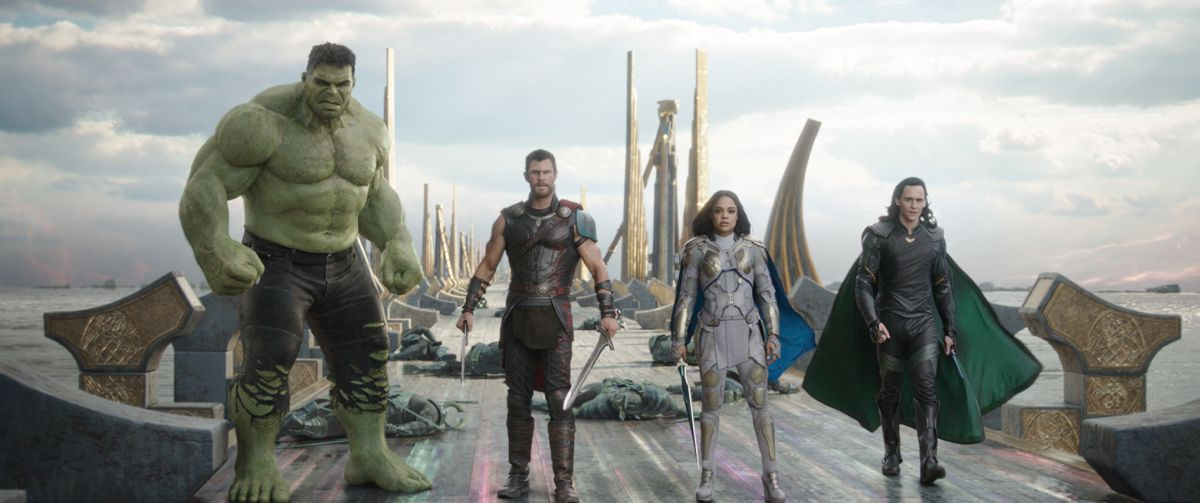 Marvel Studios' THOR: RAGNAROKL to R: Hulk (Mark Ruffalo), Thor (Chris Hemsworth), Valkyrie (Tessa Thompson) and Loki (Tom Hiddleston)Ph: Film Frame©Marvel Studios 2017